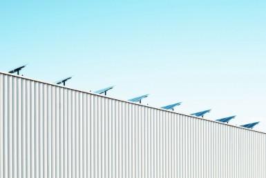 Paneles solares en tejados de edificios